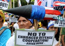 Mass protest greeted US President Barack Obama in Philippines Stock Photo