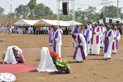 MASS OF REQUIEM OF THE MOTHER OF THE PRESIDENT LAURENT GBAGBO. Image of the priests of the Archdiocese of Gagnoa celebrating the mass of requiem of the mother of Royalty Free Stock Photos