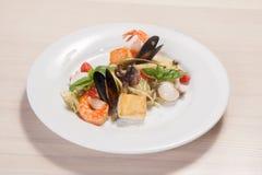 Massa com alimento de mar Fotos de Stock Royalty Free