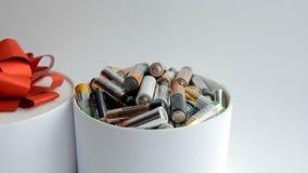 A massa de baterias usadas, ecologia vídeos de arquivo