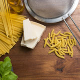 Massa de cozimento mediterrânea do alimento italiano Fotografia de Stock