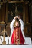 Consacrazione durante la massa del cattolico Fotografia Stock
