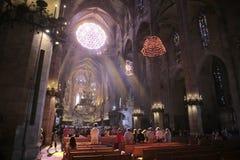 Massa di mattina della cattedrale di Palma de MallorcaFotografia Stock