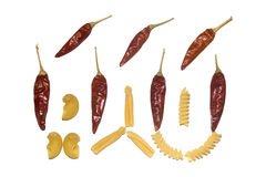 Massa e pimentas quentes isoladas no branco Fotos de Stock Royalty Free