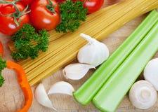 Massa e vegetais Imagens de Stock