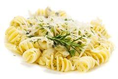 Massa italiana com queijo de Parmesão Fotografia de Stock Royalty Free