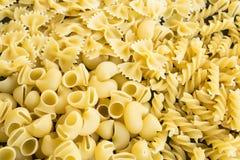 Massa italiana Fusilli, tubulação Rigate e Farfalle Foto de Stock Royalty Free