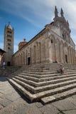 MASSA MARITTIMA, ITALIEN - Maj 14, 2017: medeltida stad i Italien, t Royaltyfri Fotografi