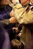 Massa overvol in metro spoor Stock Foto's