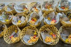 Massa preparada para o chapati no ghat de Manmandir nos bancos do rio santamente Ganges em Varanasi Imagem de Stock