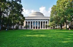 Massachusetts Institute of Technology (M I T ) i Cambridge MOR royaltyfri foto