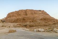 Massada古老堡垒的废墟在山的在死海附近在南以色列 库存图片