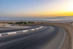 Massada古老堡垒的旅游缆车缆索铁路的ÑˆÑ '废墟在山的在死海附近在南以色列 免版税库存照片