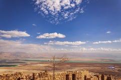 Massada堡垒废墟在内盖夫 免版税库存照片