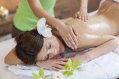 massage arkivfoto