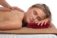 Massage am Badekurort lizenzfreie stockfotos
