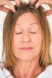 Massage décontracté de chef de femme Photos libres de droits