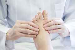 Massage de pied Photo stock