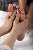 Massage de pied image libre de droits