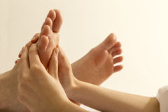 Massage de pied Photos stock