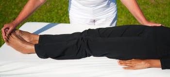 Massage de polarité Photographie stock libre de droits