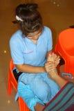 Massage de Reflexology, demande de règlement de pied de station thermale, Thaïlande Photo libre de droits