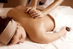 Massage en pierre Photo stock