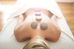 Massage en pierre chaud Image stock