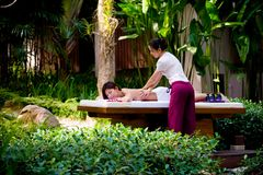 Massage extérieur Photographie stock libre de droits