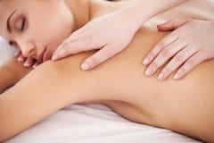 Massage für müden Körper. Stockfoto