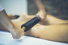 Massage für schöne Beine lizenzfreie stockfotos