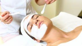Massage facial de masque banque de vidéos