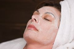 Massage facial de station thermale Photos stock