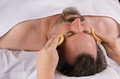 Massage facial de station thermale Image libre de droits