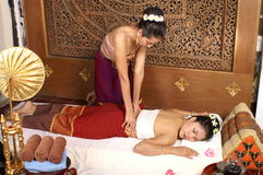 Massage thaï sain images libres de droits