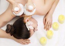 Massage thaïlandais de boule, vue supérieure Images libres de droits