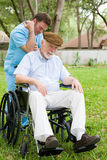 Massage-Therapie für älteren Mann Stockfotografie