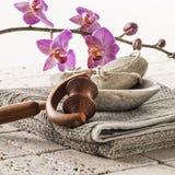 Massage und footacre mit Weiblichkeit Lizenzfreies Stockbild
