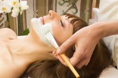 Massage- und Gesichtsbehandlungsschalen stockfotografie
