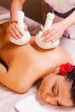 Massage voor vermoeide spieren Stock Afbeeldingen