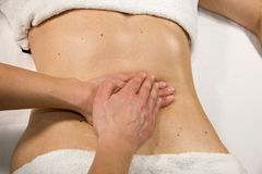 Massagem abdominal Imagem de Stock