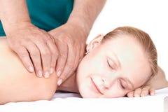 Massagem da menina, olhos fechados. Imagens de Stock