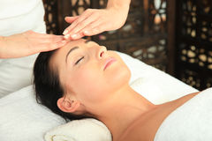 Massagem da mulher Foto de Stock Royalty Free