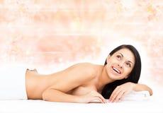 Massagem da mulher Imagens de Stock