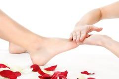 Massagem do pé Fotos de Stock Royalty Free