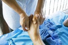 Massagem do pé Imagens de Stock Royalty Free