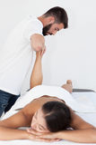 Massagem do pé do Reflexology imagem de stock royalty free