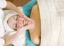 Massagem facial imagem de stock royalty free