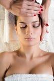 Massagem facial Fotografia de Stock