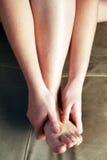 Massagem pessoal do pé Imagens de Stock
